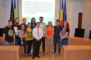 Dezbatere pe tema administrației publice și politicii, UVT, 2015 3