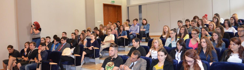 Dezbatere pe tema administrației publice și politicii, UVT 7
