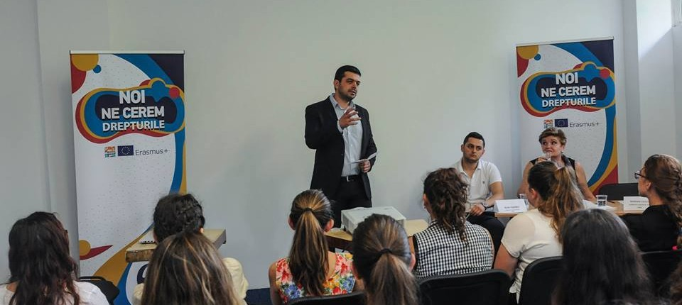 dezbaterea interactivă Noi ne cerem drepturile! a tinerilor din regiunea V Vest 1