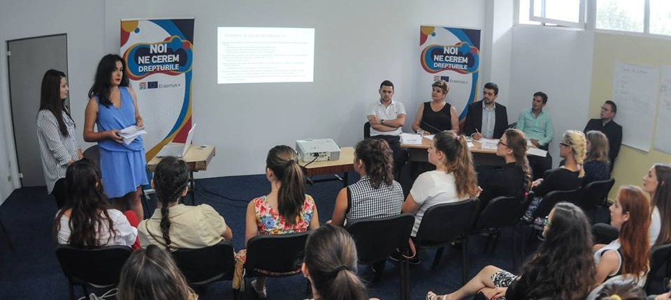 dezbaterea interactivă Noi ne cerem drepturile! a tinerilor din regiunea V Vest 3
