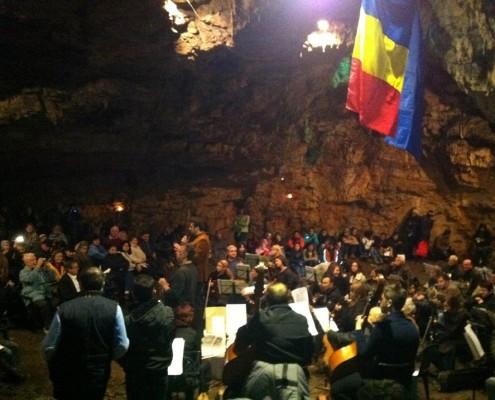 Concert de muzică clasică în Peștera de la Românești, octombrie 2013