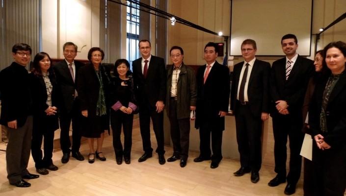 Întâlnire cu ambasadorul Coreei de Sud, noiembrie 2012