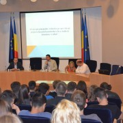 Dezbatere pe tema administrației publice și politicii, UVT, 2015 5