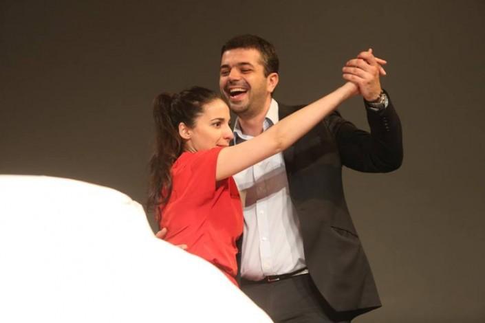"""Pe scena alaturi de actorii piesei de teatru """"Te iubesc! Te iubesc"""""""